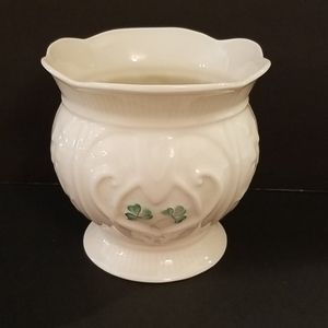 Belleek Event Piece 2002 Loveheart Footed Bowl